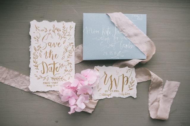 Undangan Pernikahan modern minimalis